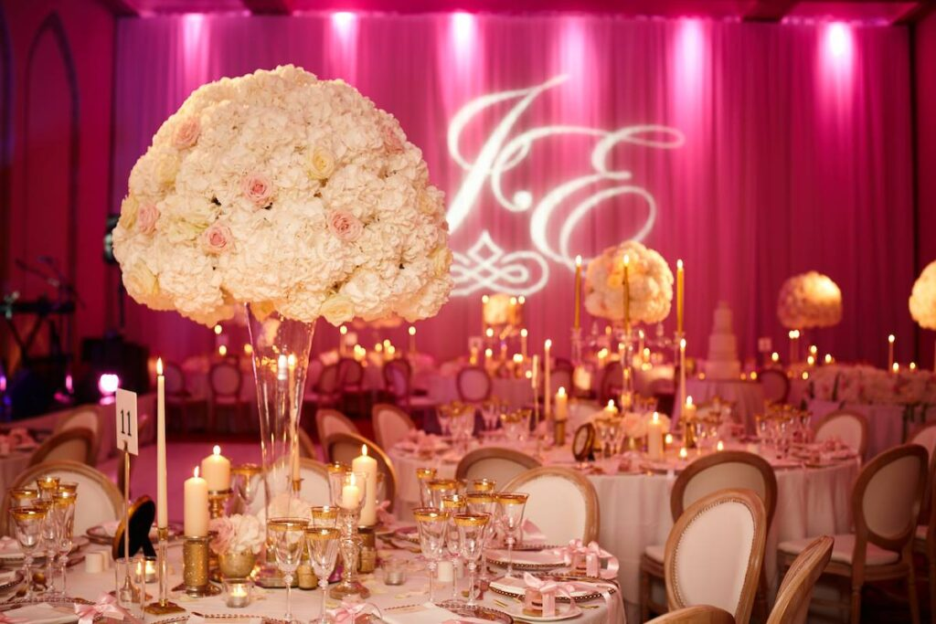 7 Elegant Ways to Display Flowers in a Cloche For Your Wedding