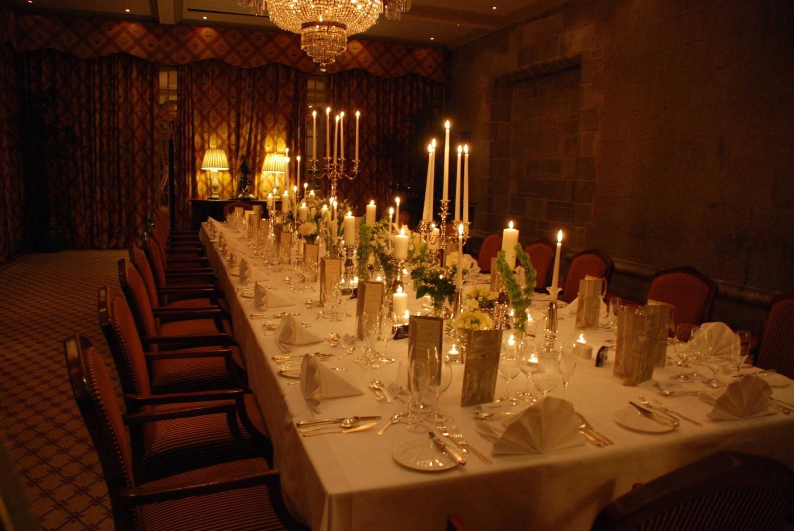 Dromoland_dinner_table
